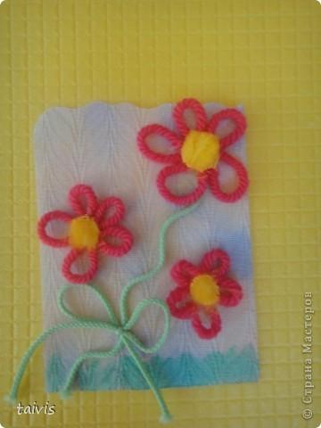Карточки сделаны петельками из ниток. Фон немного подкрашен акриловыми красками. А начиналось все здесь http://stranamasterov.ru/node/132972 фото 6