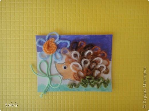 Карточки сделаны петельками из ниток. Фон немного подкрашен акриловыми красками. А начиналось все здесь http://stranamasterov.ru/node/132972 фото 3