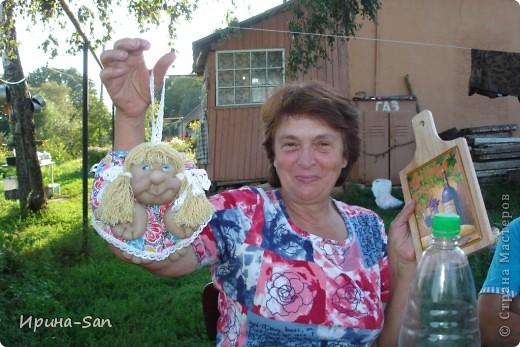 Именинница с подарками. Досточка с декупажем пригодилась в пару ))) фото 1