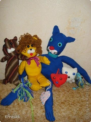 """Сегодня, по просьбе моей дочки, покажу Вам, уважаемые мастерицы, ее работы.  Это игрушки, которые она сшила на занятиях в кружке """"Мягкая игрушка"""" и самостоятельно дома. фото 1"""