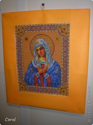 Казанская. Бисер от Yablonex, Чехия, размер бисера 2.4 мм Сейчас эта икона в приличном багете и освящена. фото 2