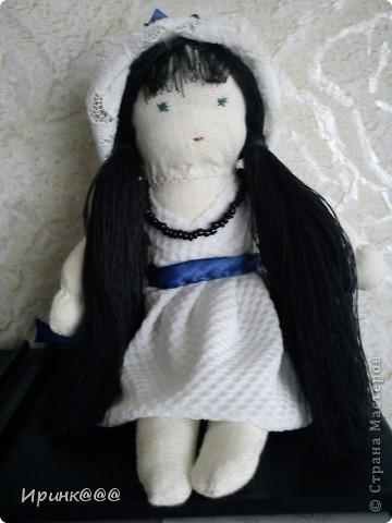 мое подобие вальдорфской куклы. делались в спешном порядке моим девочкам перед поездкой на каникулы  в деревню ,чтобы они не скучали по дому и по маме брюнетка-старшей ...... брюнетке фото 1