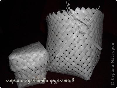 Это первый мой опыт в плетении, даже не знаю как этот материал называется (такие ленты от упаковочной тары)