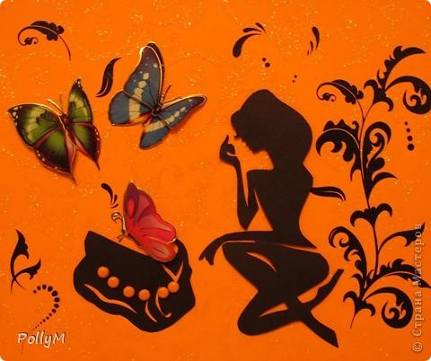 А имя бабочки - рисунок,  Нельзя произнести его,  И для чего ей быть в покое?  Она как зеркальце простое.  Пожалуйста, не улетай,  О госпожа моя, в Китай!  Не надо, не ищи Китая,  Из тени в свет перелетая.  Душа, зачем тебе Китай?  О госпожа моя цветная,  Пожалуйста, не улетай!   Арсений Тарковский фото 1