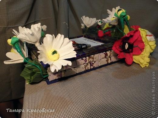 Поделка изделие Свит-дизайн Макет модель Начало учебного года Журнал Подарок для учителя из конфет Бумага фото 5.