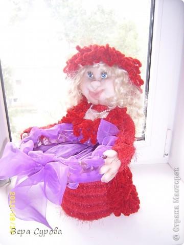 Красная Шапочка с корзинкой, а в корзинку я планирую положить виноград (искусственный) фото 2