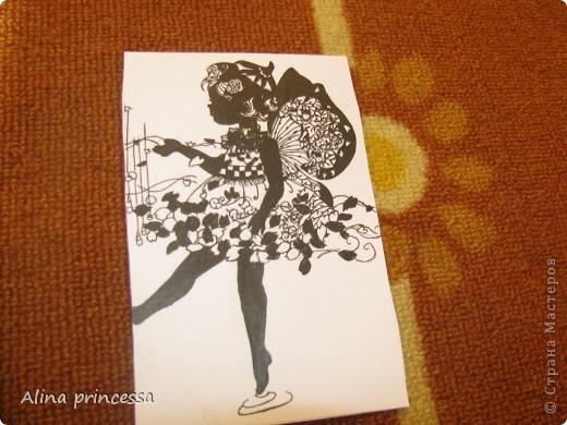 Эту маленькую феечку я нарисовала полностью гелевой ручкой...  фото 1