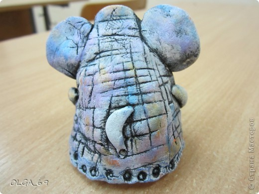 Тесто было не свежее, поэтому слонопотамчик немножко не того.... грустный. фото 3