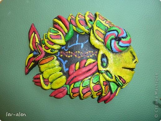 Поделка изделие Лепка Роспись Рыбка сапиенс Краска Тесто соленое фото 2