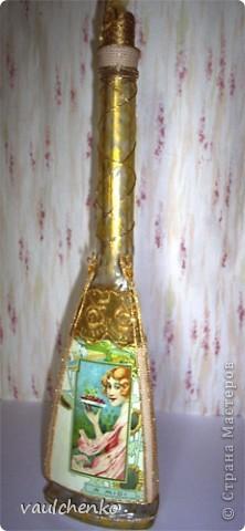 Долго создавалась эта поделка... Воспоминание о лете... Красивая трехгранная бутылка - ну как же её украсить? Мысли бродили вокруг Времен года - но граней то всего ТРИ! фото 2