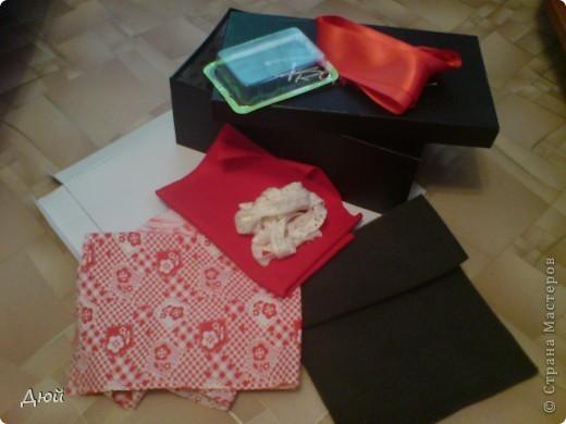 Вот такая шкатулка для рукоделия может получится из обычной обувной коробки. фото 2
