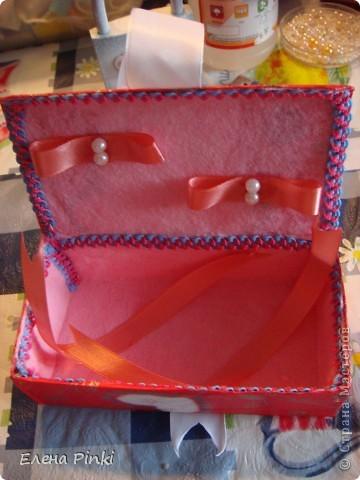 Сестра попросила сделать коробочку для денежного подарка....Знаю,что в СМ много очень МК всевозможных коробочек для денег.НО.....возможности добраться до интернета не было и вот что пришло на ум! Выкладываю процесс создания (буду рада если кому то пригодится) фото 4