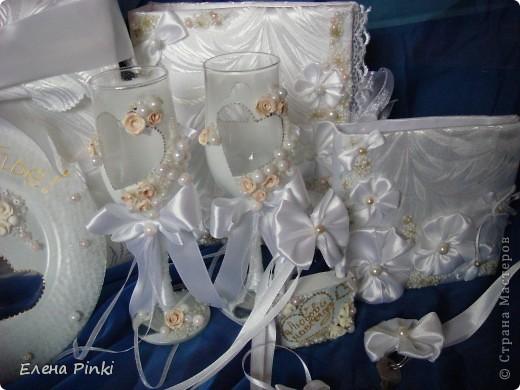 Наконец то я доделала свой первый свадебный заказ!!Про каждую вещь есть поподробней на моей страничке.Просто перед тем как отдать заказчику решила запечатлить, как говорится, в полном составе! фото 5