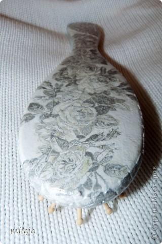 Стеклянная ваза: приклела рисовую декпажную карту, сверху затонировала перламутровой краской фото 9