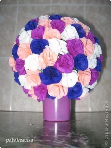Вдохновилась работами Vitulichka http://stranamasterov.ru/node/90083?tid=451. и решила сделать подруге на день рождение подобный цветочный шар. фото 1