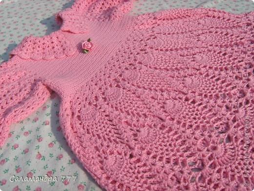 Это мое превое вязаное платьице, с него я начала вязать крючком. фото 6