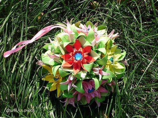 Приветствую всех жителей Страны!!! Не так давно увидела кусудаму из маргариток и решила тоже сделать, но посадить цветочки на электру. Вот что получилось... фото 2