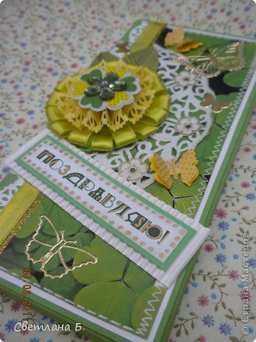 """Коробочка-шоколадница сделана по моему любимому скетчу. В работе использовала картон """"Флора"""", гофрированный картон, ажурную салфетку, атласную ленту, дырокольное бумажное кружево, наклейки бабочек и цветочков. фото 6"""
