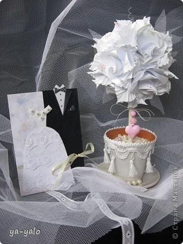 Свадебный топиарий на основе кусудамы.  Кусудама - Электра с розами. Здесь МК Розочек http://stranamasterov.ru/node/23799?tid=451%2C850 Здесь МК Электры http://stranamasterov.ru/node/17323 фото 8