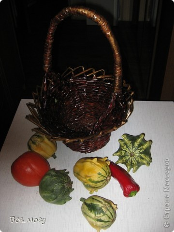 Осенняя корзина с урожаем ( декоративные тыквы с дачи) фото 2