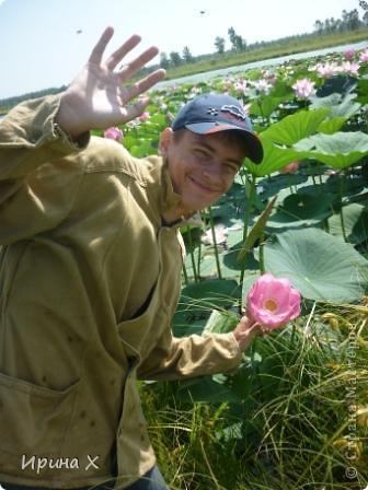 Недалеко от села где я живу, есть озеро Байкал, названное так потому, наверное, что очертаниями похоже на общеизвестное. В июле - авгусе там цветут лотосы. В нашей семье есть традиция - выезжать и любоваться этими волшебными цветами. Предлагаю желающим присоединиться... фото 7