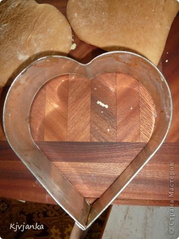 Настроение было романтическое. Вот и решила своему мужскому семейству испечь сердечные тортики. фото 2