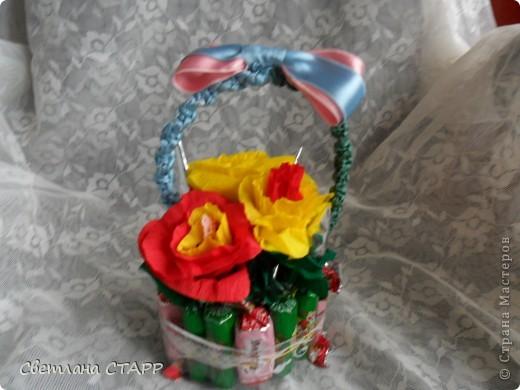 У нас новая учительница,и только сегодня узнала,что у нее день рождения-пришлось срочно сочинять подарок(хорошо,конфеты были!) фото 3