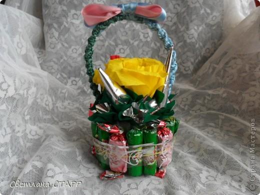 У нас новая учительница,и только сегодня узнала,что у нее день рождения-пришлось срочно сочинять подарок(хорошо,конфеты были!) фото 2