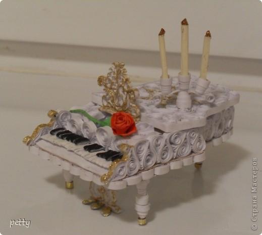 Белый рояль - большое спасибо Saphir за идею и мастер-класс! http://stranamasterov.ru/node/210035 фото 1