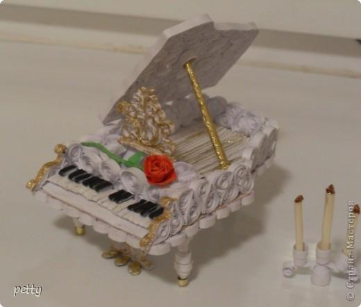 Белый рояль - большое спасибо Saphir за идею и мастер-класс! http://stranamasterov.ru/node/210035 фото 2