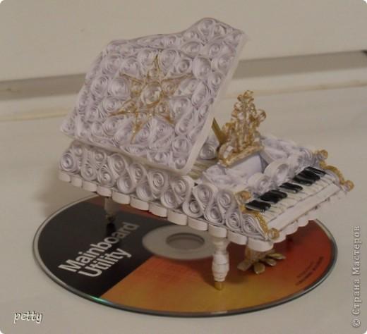 Белый рояль - большое спасибо Saphir за идею и мастер-класс! http://stranamasterov.ru/node/210035 фото 3
