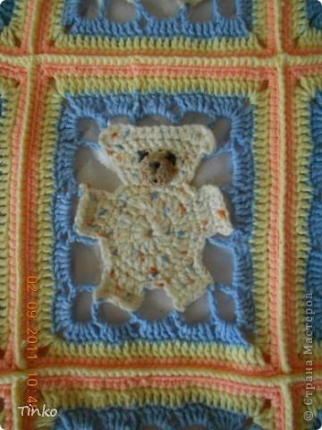 """На бескрайних просторах интернета нашла схему """"Мишка в квадрате"""" (к сожалению не помню имя автора) и связала своей дочуле вот такое одеяло.  фото 3"""