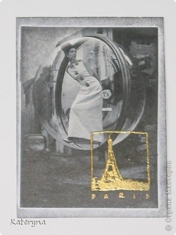 """Привет,привет! Давненько я не показывала вам,уважаемые """"жители"""" и гости Страны Мастеров,ничего новенького.Ну да я исправляюсь:) Итак,новая серия карточек АТС. За основу взяты потрясающие снимки Симоны Д`Аленкур.Это любимая модель мастера модного фото Мелвина Сокольски. Его знаменитая серия """"Simone,Bubble,Siene,Paris 1963""""(""""Симона,Пузырь,Сена,Париж 1963"""") была сделана для журнала """"Harper`s Bazaar""""и до недавнего времени находилась в частной коллекции Пола Томплинсона. Остаётся загадкой,как же этот пузырь витает в водухе. Из 10 снимков я выбрала только 7 и назвала серию """"Сфера"""". Основа тонирована дистрес-чернилами.На каждой карточке тематический штамп и влажный эмбосинг с золотой пудрой. Приятного просмотра!  фото 6"""