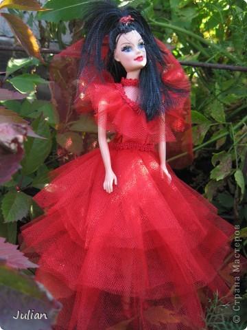 """Начнем с того что я очень люблю фильм """"Билджус"""" особенно мне нравиться Лидия, вот я и решила сшить красное свадебное платье в котором героиня предстала в финальных сценах) фото 2"""