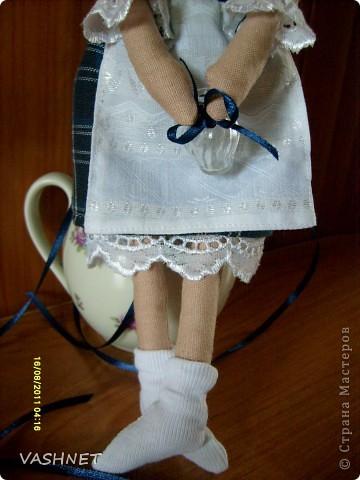 Идея пришла неожиданно при созерцании каких-то голландских картинок. Вот и нарисовалась куколка в сине-белой тональности. фото 3
