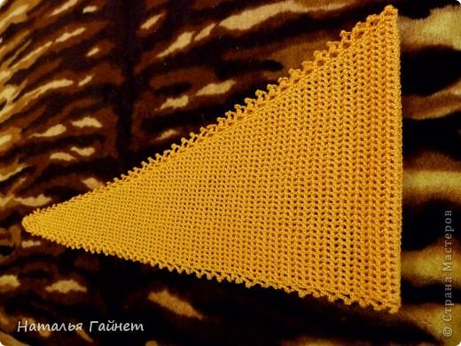 """Бактус """"Листопад"""". Основное полотно - филейная сетка крючком Размер готового бактуса без каймы 130 см на 25 см.  фото 11"""