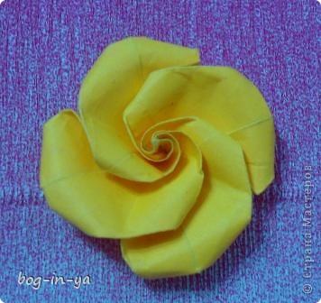 Давно заглядывалась на розы оригами(как-то даже была неудачная попытка сделать). А тут такая красота http://stranamasterov.ru/node/235466 розовое дерево! И вдохновило меня это чудо-дерево  ....   фото 3