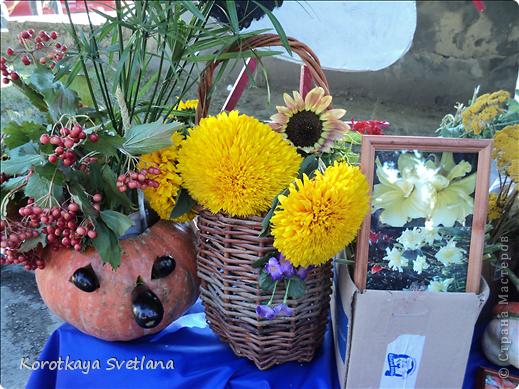 Доброго времени суток, мастера и мастерицы страны мастеров!В нашей станице Тбилисской Краснодарского края большое событие- мы отмечали сразу два праздника День Рождение станицы и день урожая. Было много праздничных мероприятий и среди них выставка народных умельцев. фото 2