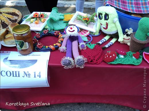 Доброго времени суток, мастера и мастерицы страны мастеров!В нашей станице Тбилисской Краснодарского края большое событие- мы отмечали сразу два праздника День Рождение станицы и день урожая. Было много праздничных мероприятий и среди них выставка народных умельцев. фото 27