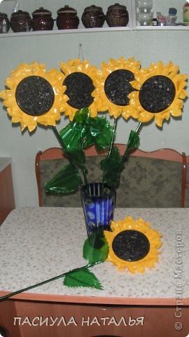 подсолнухи  вот сделала идея не моя.....но делала по своему. вдохновила меня валентина, за что ей огромное спасибо http://stranamasterov.ru/node/211482#comment-2112675 тут ее подсолнухи... фото 1