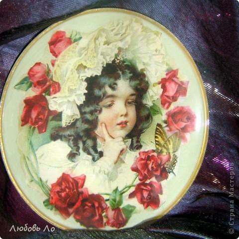 Вот такая девочка-красотулечка у меня появилась. Принтерная распечатка, тарелка икеевская, клей ПВА, краска акриловая, лак. фото 1