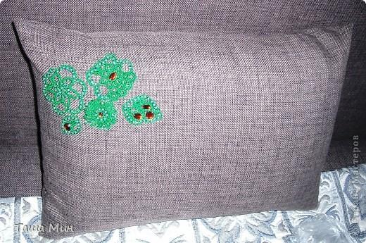 Декор на подушках от дивана фото 2