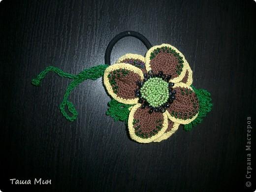 Цветок резинка вязанный крючком фото 1