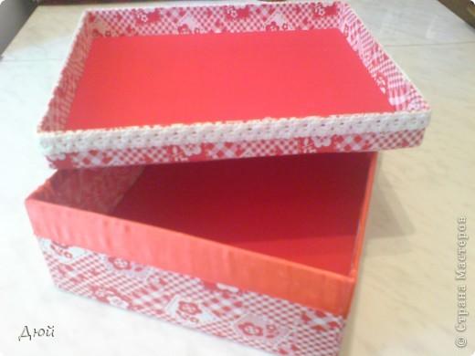 Вот такая шкатулка для рукоделия может получится из обычной обувной коробки. фото 9