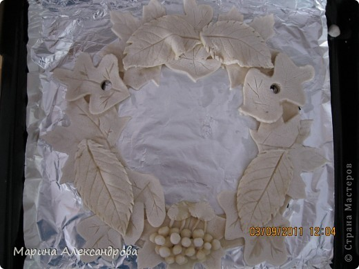 вот такой веночек будет украшать мою прихожую...идея родилась сама собой, прибираю в саду урожай яблок, слив, винограда... фото 5