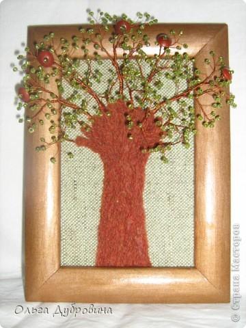 Это осеннее дерево. Моё самое любимое. Выполнено из янтаря и бисера. фото 4
