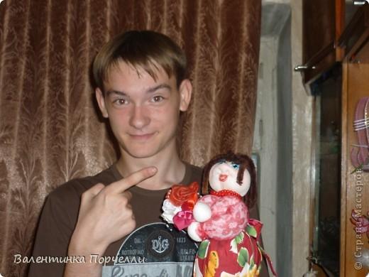 В воскресенье была на Дне Рождении любимой подруги-Верочки!Подарила ей куколку!Знаю-любит она моих куклёшек)))Это именниница с подарком! фото 2