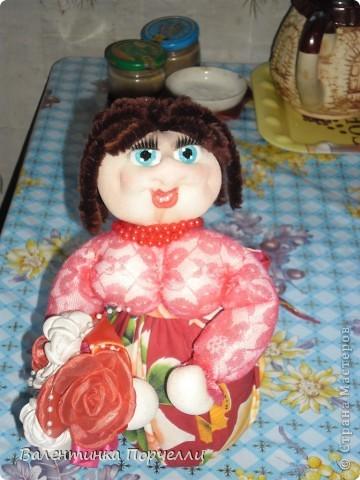 В воскресенье была на Дне Рождении любимой подруги-Верочки!Подарила ей куколку!Знаю-любит она моих куклёшек)))Это именниница с подарком! фото 3