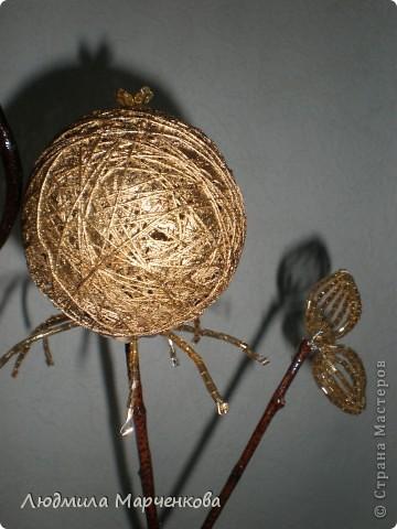 цветы - шарики из ниток фото 11