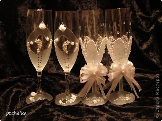 Нижнюю часть бокалов оформила в виде цветка при помощи краски с эффектом замершего стекла SPECIALTY FROSTED GLASS фото 5